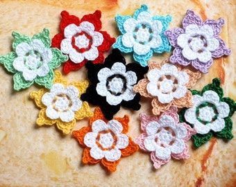 Crochet Flowers Appliques 115.14 - 10 pcs - 2 layers of flowers with WHITE in centre
