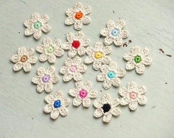Crochet Flowers Appliques 117.01 --- 15 pcs --- Tiny Size flowers in Beige Color