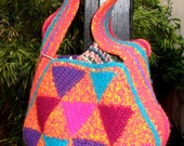 Felted Equilateral Triangles Tote - Crochet Pattern