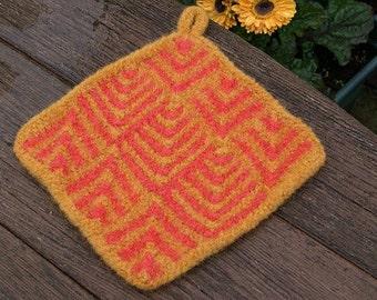 Fulled Domino Potholder - Knit Pattern