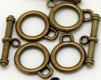 Toggles,Antiqued Brass,Lead n Nickel Free,Loop 14mm, 8 toggles M0464-AB