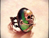 Soothsayer Color Changing Skull Mood Ring - Gothic Victorian