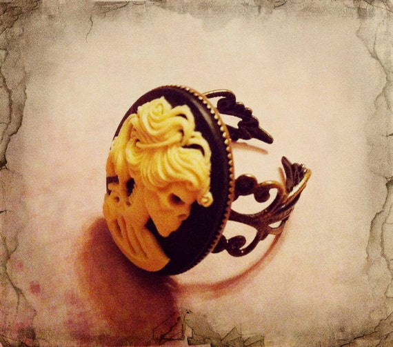 Skeleton Lady Cameo Ring - Victorian Ring - Gothic Ring - Skeleton Ring