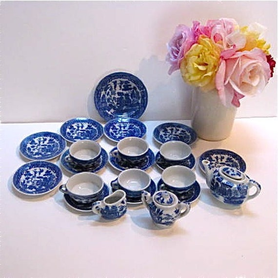 24 pc Set of Children's Blue Willow Dishes