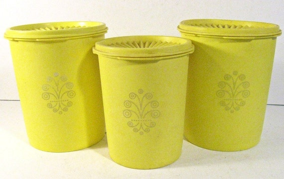 vintage canisters TUPPERWARE yellow - 6 piece set