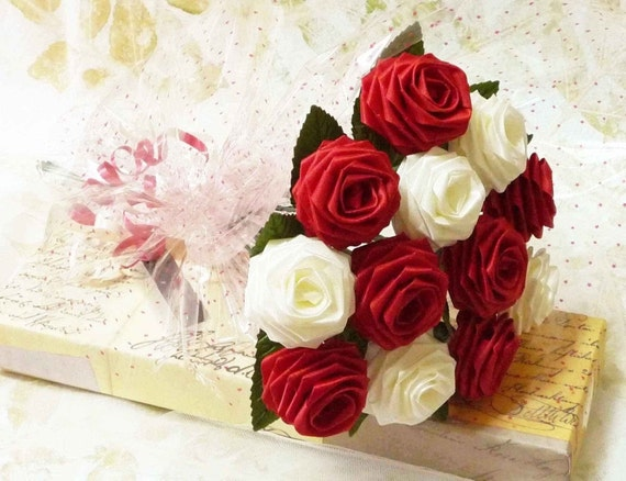 Origami DeLovely Rose Bouquet (1 Dozen Gift Wrapped)