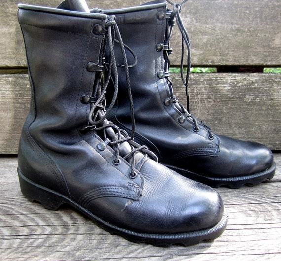 vintage 1990s black leather COMBAT boots military GRUNGE lace up ankle boots mens 6 1/2 womens 8 1/2 work clean BROKEN in punk metal goth