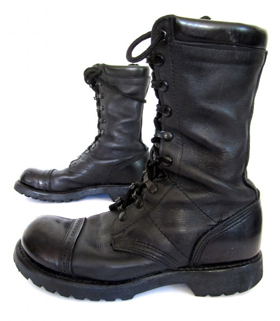 S A L E vintage 1980s black leather COMBAT boots military