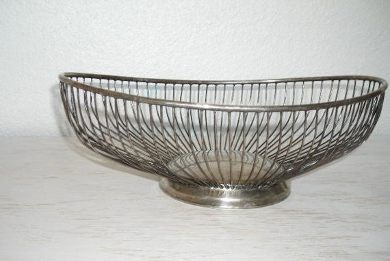 silver wire oval bread basket - vintage metal mid century utilitarian - urban industrial style - shabby chic cottage decor