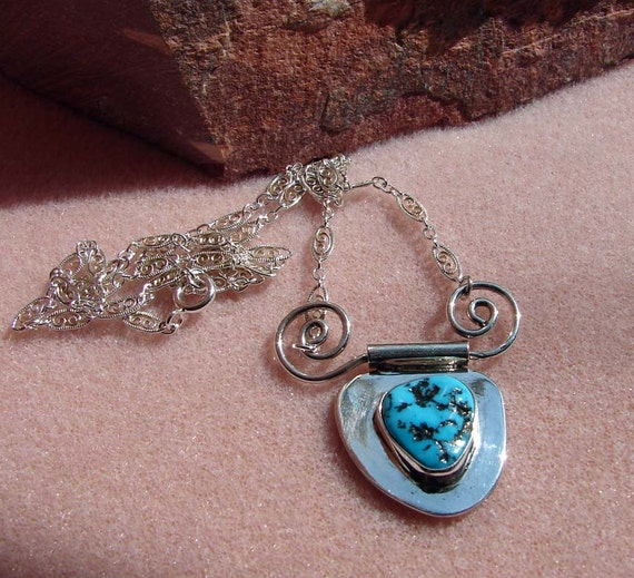 Sterling Silver Sleeping Beauty Turquoise OOAK Freeform Pendant and 18 1/2 Inch Fancy Spiral Link Chain