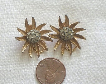 Vintage Rhinestone Flower Earrings Clip Ons Rhinestone Daisy Earrings Clips