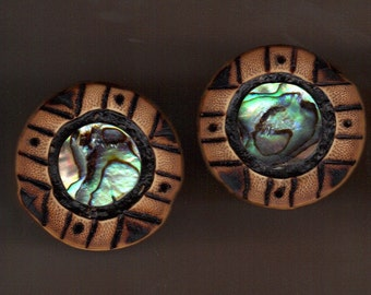 Bamboo ear plugs with burnt designs