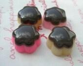 sale Small Flower shaped Chocolate Pudding cabochons 4pcs Size-M