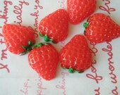 SMALL Juicy Chunky Strawberry cabochons 6pc SIZE-S