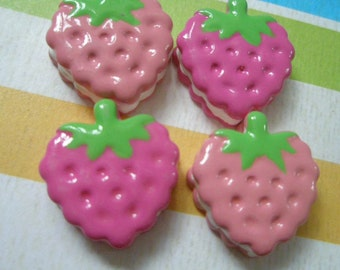 sale Strawberry creamsand cookie cabochons Set 4pcs