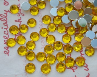 sale Faceted Round plastic rhinestones cabochons 6mm 5 grams GOLDEN YELLOW