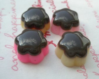 sale Small Flower shaped Chocolate Pudding cabochons 4pcs Size-M
