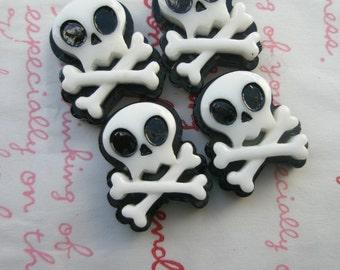Punky Skull cabochons 4pcs White Crossbones ME