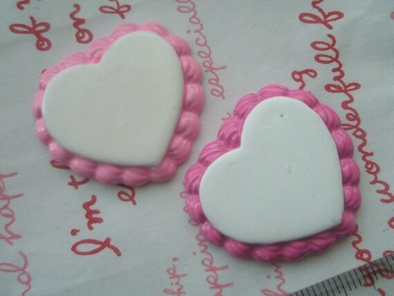 Heart shaped Cake Base cabochon Pendant 2pcs