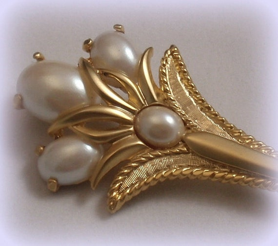 Park Lane Art Nouveau Style Triad Flower Pin with Elegant Pearl Cabochons Satin Gold Lily