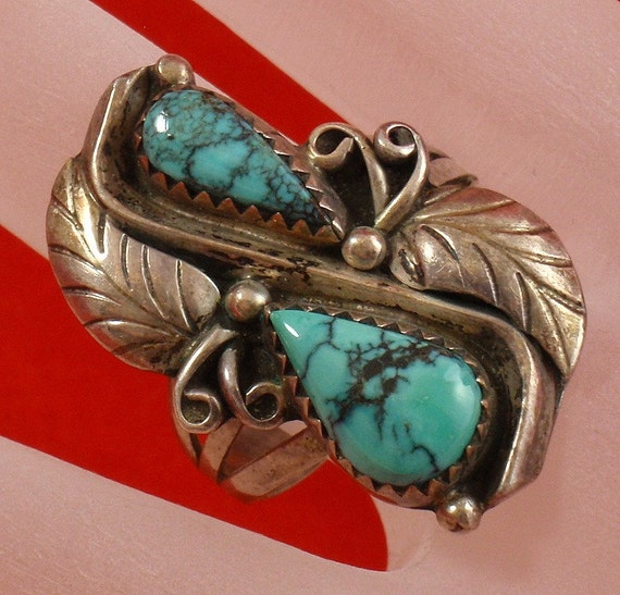 Vintage Southwestern Native American Silver Turquoise Ring with Scrolls Leaves and Beads