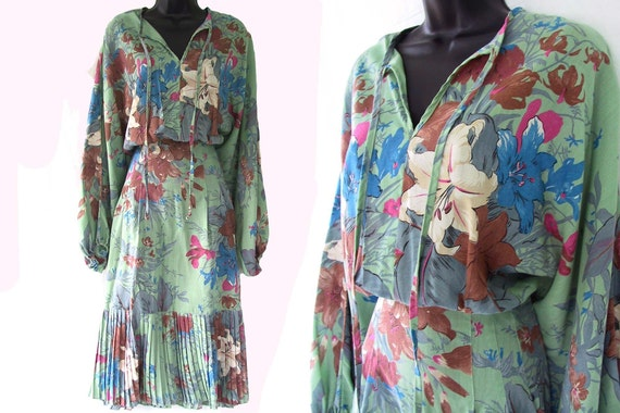 Vintage 70s GREEN with FLORAL Print YOUNG EDWARDIAN Dress S
