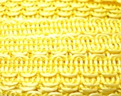 "50s yellow lace trim, 1/4"" petite soft doll trim."