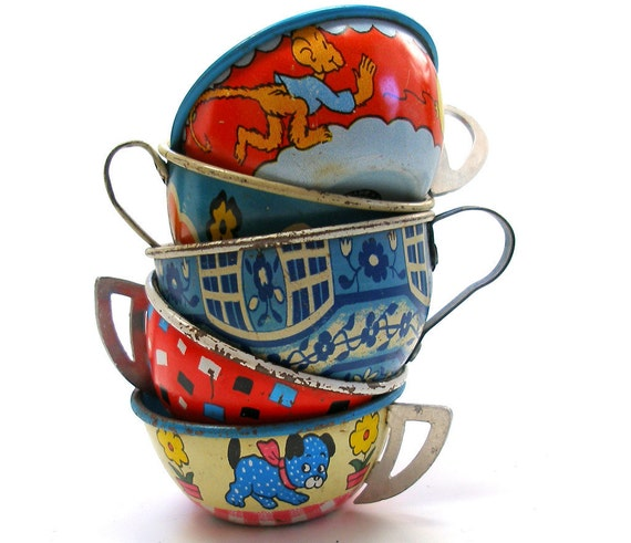 1940s Toy Tea cups, Set of 5 vintage tin with animal litho in red & blue, Instant Collection of Ohio Art.