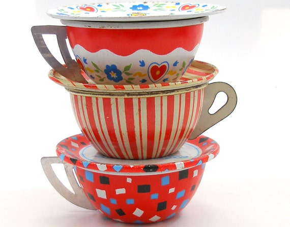 Toy Tea Cups & Saucers, Set of 6 vintage tin in red, white and blue, Instant Collection.