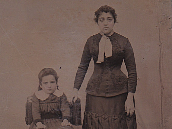 Mother & Child, Victorian tintype portrait, ferrotype photograph.