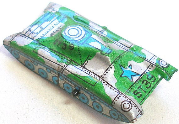 Tin Toy tank,  60s  Japanese car with green & silver camo, ST39.