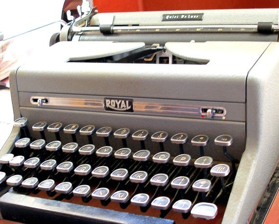 SALE Manual Typewriter, Royal Quiet Deluxe, Portable with case. Channel your inner Dorothy Parker or F.Scott Fitzgerald.