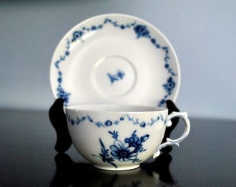 Furstenberg Teacup and Saucer in Lottine Pattern - Mint