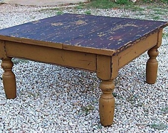 Primitive farmhouse rustic coffee table painted country pine farm antique reproduction furniture