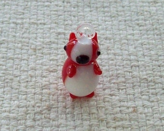 SALE - 25 x 15 mm Glass Red and White Puppy Charm