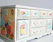 Refurbished Vintage Jewelry Box - Large classic bright flowers