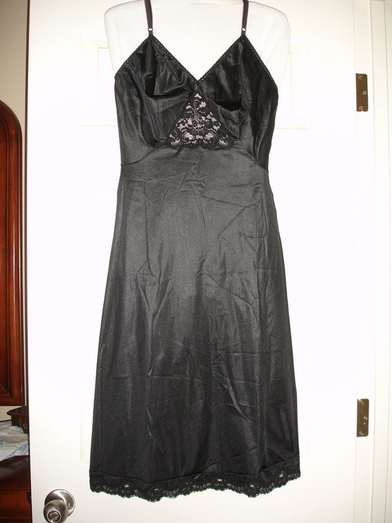 Vintage Black Doesn't Slip Full Slip with Lace Trim Bodice Size 34 Tall