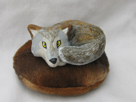 Wolf Figurine with Pet Bed