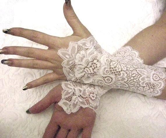 ROMANTIC white bridal lace cuffs French lace bridal gloves victorian cuffs victorian gloves gothic cuffs white lace gloves
