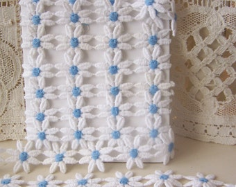 DAISY TRIM-White and Blue -1 inch Daisies-2 yards
