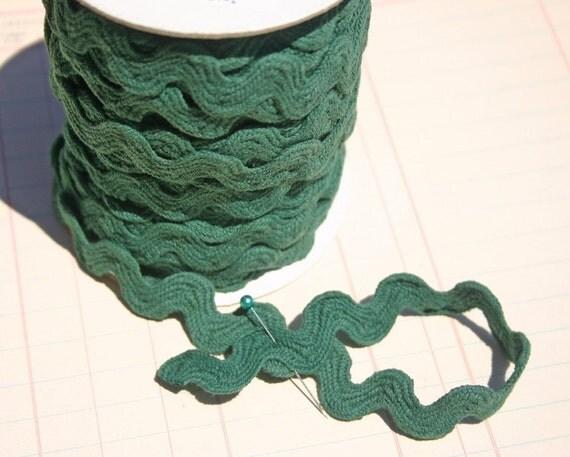"Green Rick Rack - Jumbo Cotton Sewing Ric Rac Trim - 11/16"" - 3 Yards - DARK GREEN"