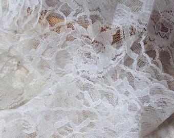 White Scalloped Lace Trim 10 Yards