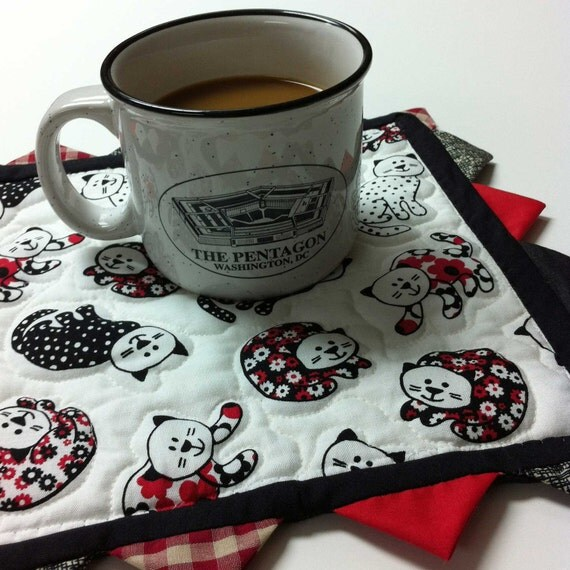 Quilted Mug Rug Black Cats and Prairie Points