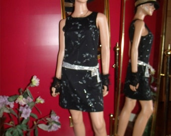 Vintage Dress Flapper  Classy Form Fitting does 20-30s Size M