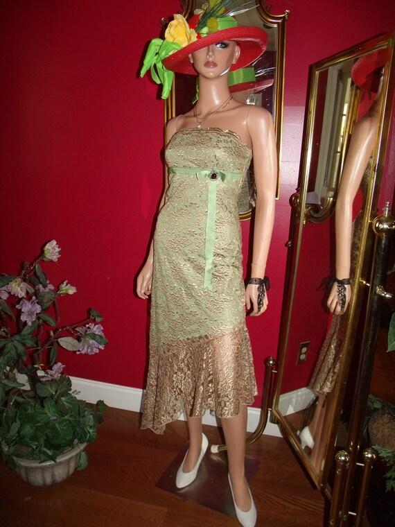 Vintage Royalty Flapper Dress  Gold Bronze Lace   VintageBrooch does 20-30 style Size 3
