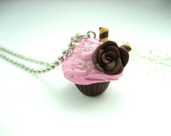 Pink Cupcake necklace, cute cupcake jewelry,  food jewelry , food necklace, cupcake necklace, food gift for her, polymer clay rose choclate