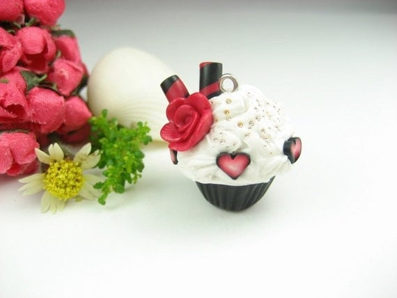 Mini Cupcake Necklace Queen of Hearts - Food Jewelry foodie gifts for foodies pastry chef gift miniature food charm red whimsical rose