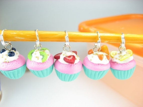 Fruit Cupcake Stitch Markers Set of 5 knitting stitch markers polymer clay miniature food blue pink charms knitters friend gift pendant