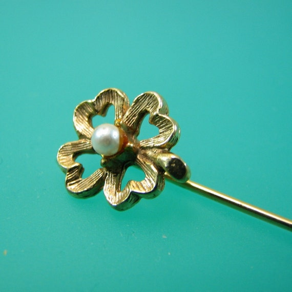 Lucky Four Leaf Clover Pearl Stick Pin