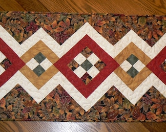 Fall Leaves Tablerunner
